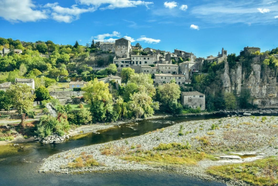BALAZUC sur l'Ardeche à 18 km du gite - Plus beau village de France